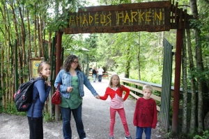 På vei inn i Amadeusparken!