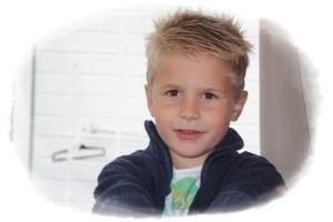 Min brunøyde skjønne gutt! :D Elske deg ungen min!