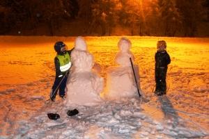 Hockeygutta og snøfolka! :D
