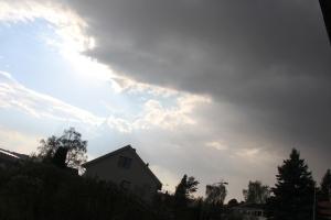 Bonusværbilde 1 Plutselig kom det masse mørke skyer, masse glimt og brak..