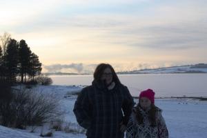 Frostrøyken lå fint over Mjøsa i det kalde været.