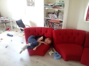 Kl 16.00, han va tydeligvis utslitt etter gårsdagens feiring og besøk i dag...