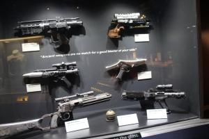 Noen våpen!