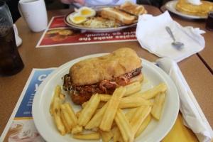 Meatball Sub på Denny's, Jan har tatt en Lumberjack Breakfast