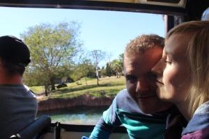 Kooos. Iselin og Stian på the Safari.