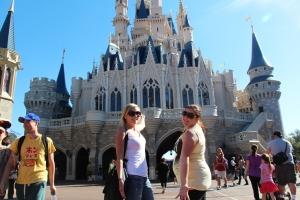 Oss to og baksida av slottet!