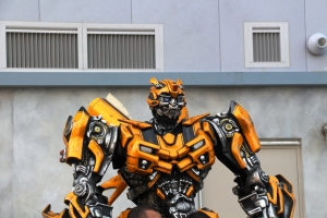 Bumblebee!!! :D Transformers is coming to Universal..