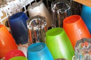 Tømme oppvaskmaskina på tampen av dagen