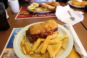 Meatball sandwich with marinara saus!