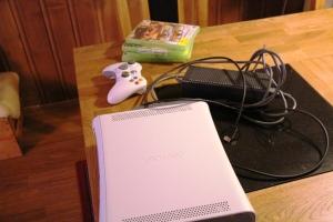 Kl 21.20, vi har vært på løten å kjøpt oss en brukt Xbox da gutta sin e konka..