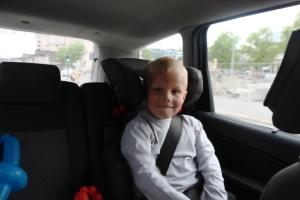 Fornøyd og sliten i bilen fra Oslo til Hamar.