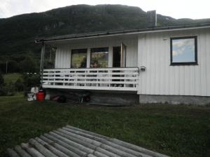 Remi på mummo sin veranda!