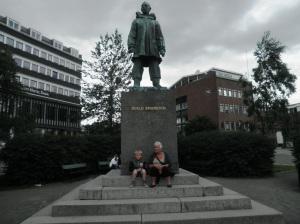 Og hilse på han Amundsen!