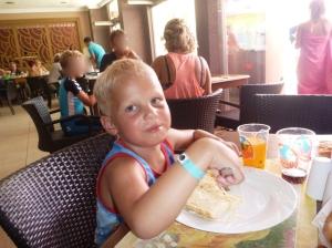 Lunsj første dagen trur eg, rista brød med spaghetti på... Phillip altså ikke eg...