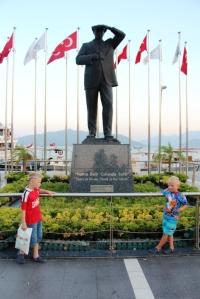 Guttan og han som grunnla Tyrkia som land.