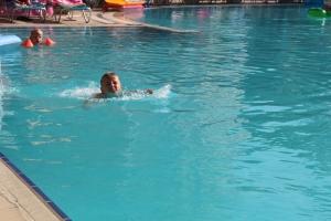 Remi lærte å svømme...