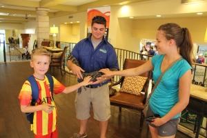 Fikk hilse på en liten alligator i resepsjonen på hotellet.