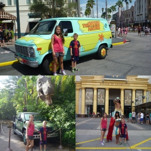 Foran the Mummy Ride! Den er KUUUL!! Jurassic Park og med Bilen fra ScoobyDoo!