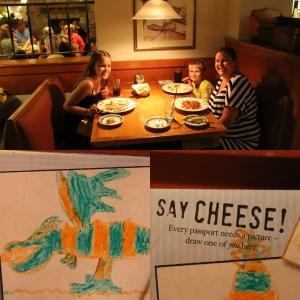 Middag på Olive Garden. Remi tegnet en drage, så leste vi hva det sto, Draw a Picture of YOU! :D