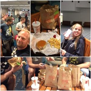 Først i sjekk inn køen på flyplassen. Så sunn og god middag før vi reiste. Burger King.
