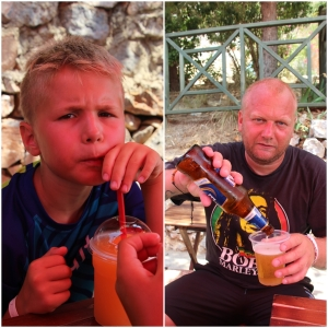 Godt med litt å drikke etter vandringen rundt på borgen!