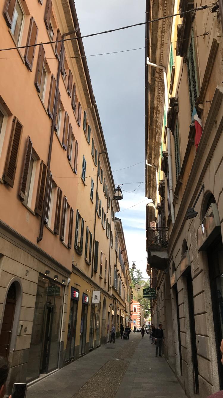 Italia (1003)