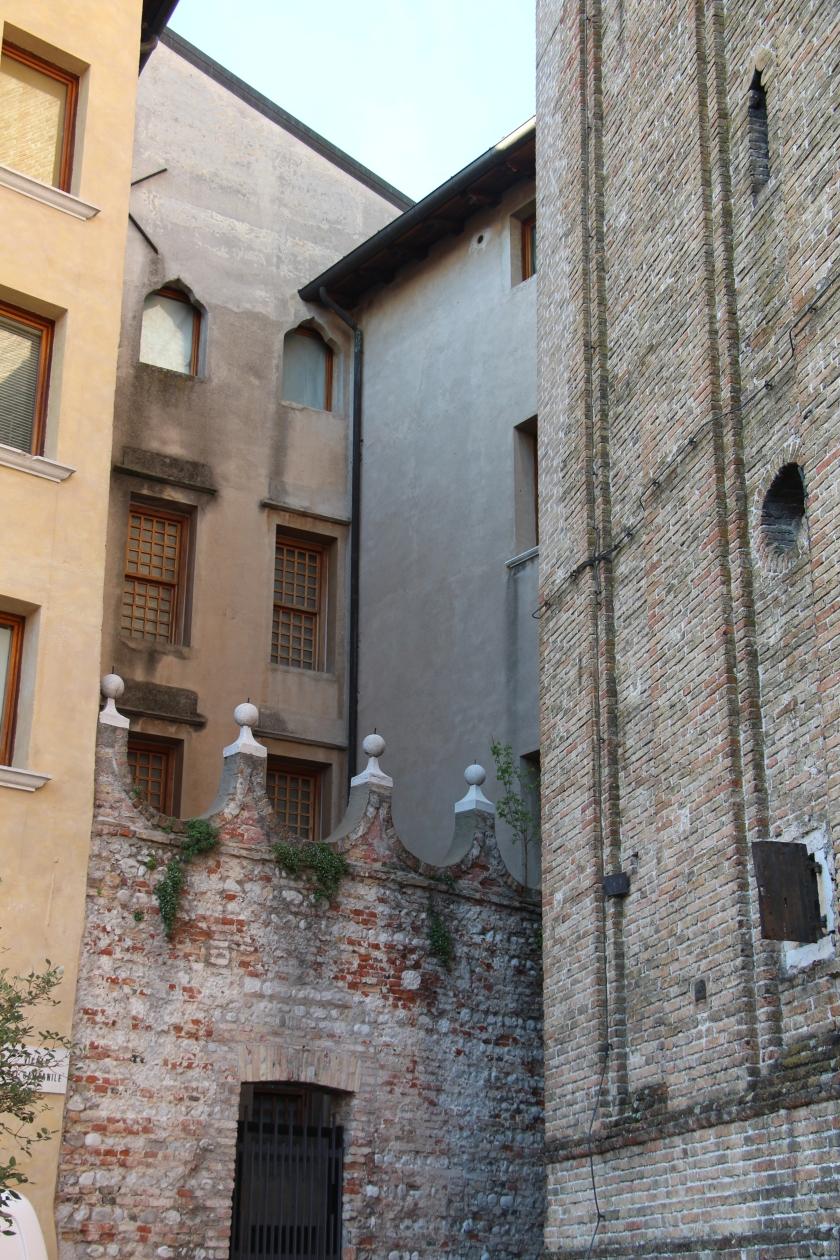 Italia (1032)