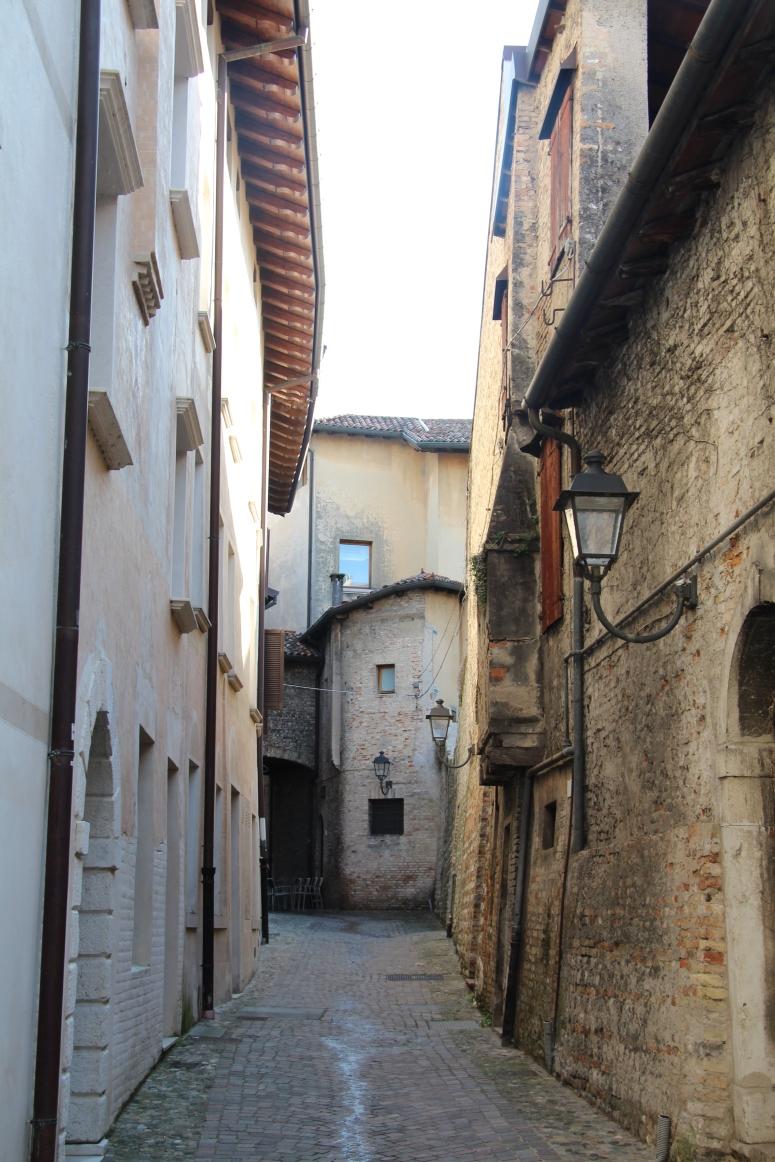 Italia (1033)