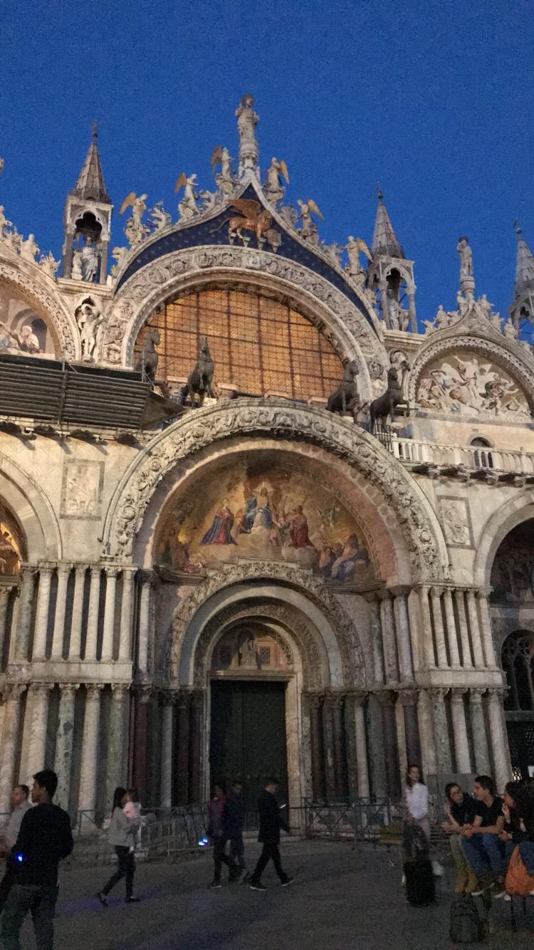 Italia (1067)