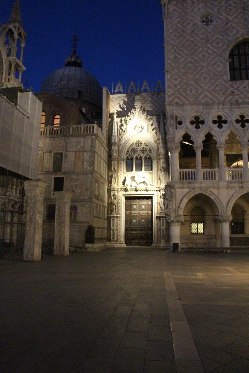 Italia (1073)