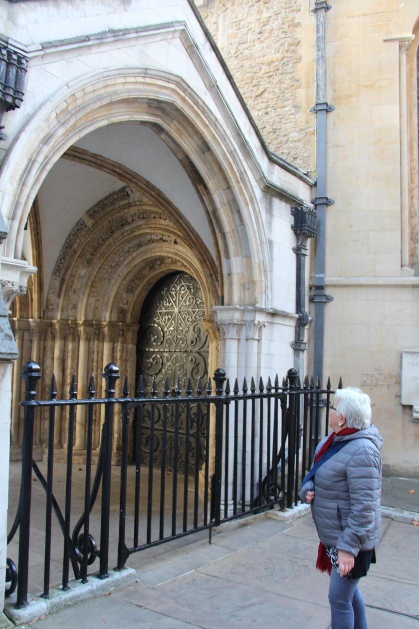 London (1104)